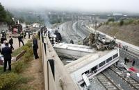 Крушение пассажирского поезда в Испании унесло жизни 60 человек