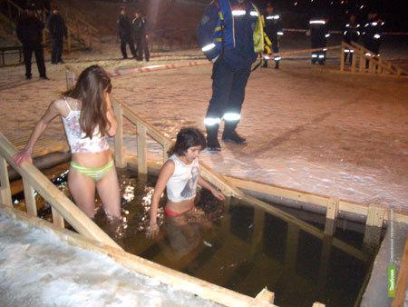 Выход на лед в Крещенскую ночь ограничат