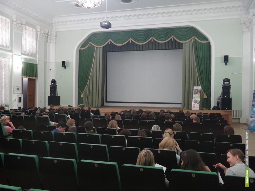 Юным тамбовчанам покажут кино про пионеров