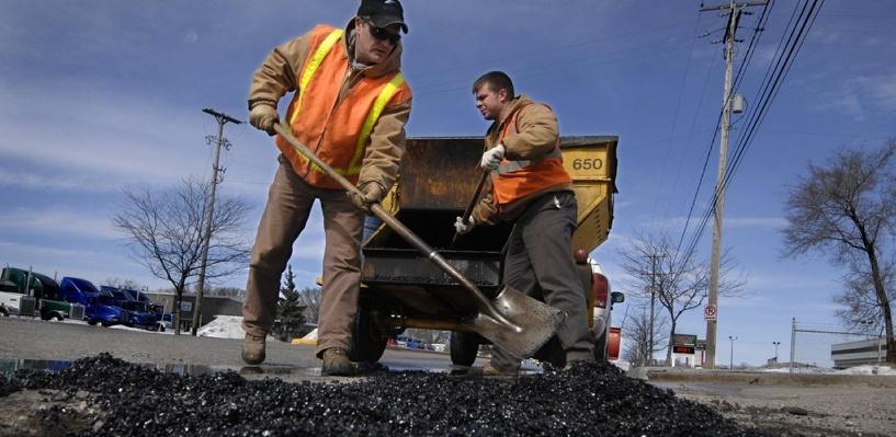 На некоторых тамбовских дорогах начался весенний ямочный ремонт
