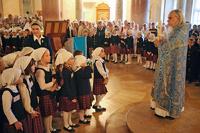 РПЦ заявила, что не поддерживает молельные комнаты в школах