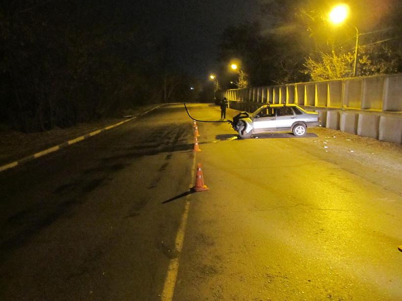 Пьяный котовчанин въехал в железобетонный забор на своей машине
