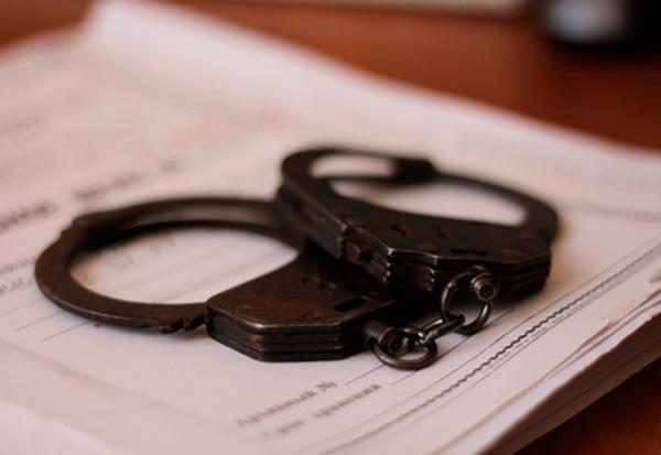 В отношении трех мужчин возбудили уголовные дела за иные действия сексуального характера