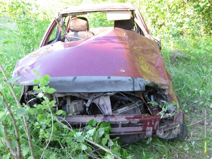 В Тамбовской области Ока улетела с дороги в лесополосу