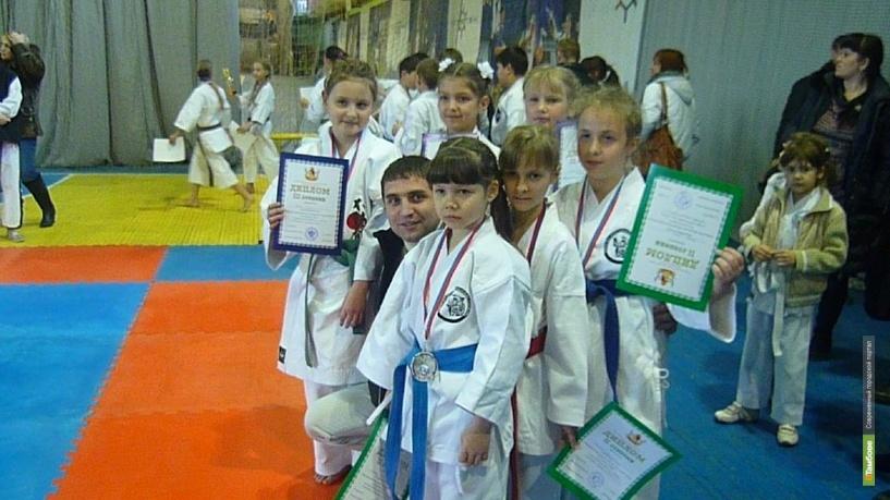 Тамбовские каратисты привезли 8 медалей с первенства ЦФО
