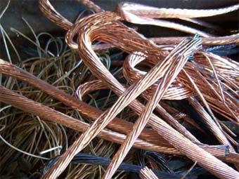 Тамбовчанин украл со склада предприятия 100 метров медного провода