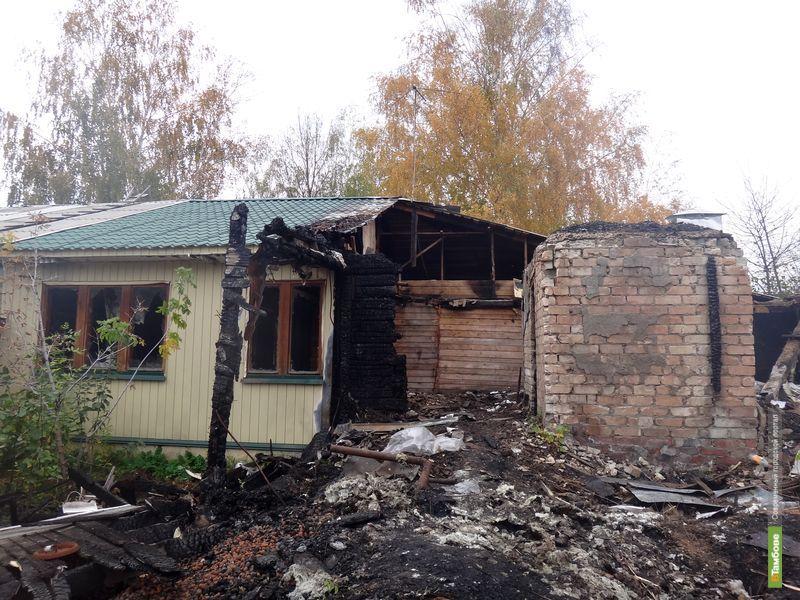 Тамбовчанам пообещали восстановить сгоревший в 2008 году дом