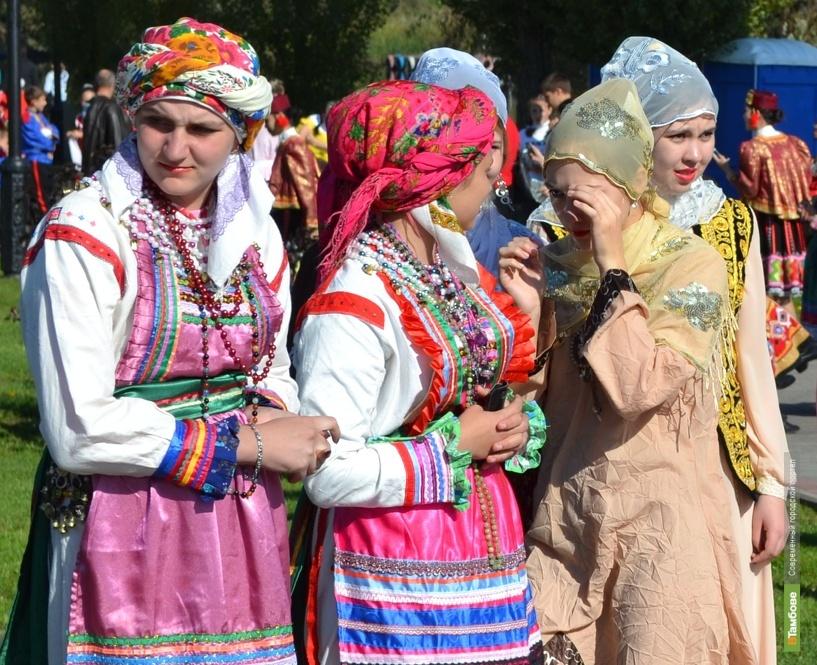 В Краеведческом музее состоится презентация книги про костюм в русском стиле