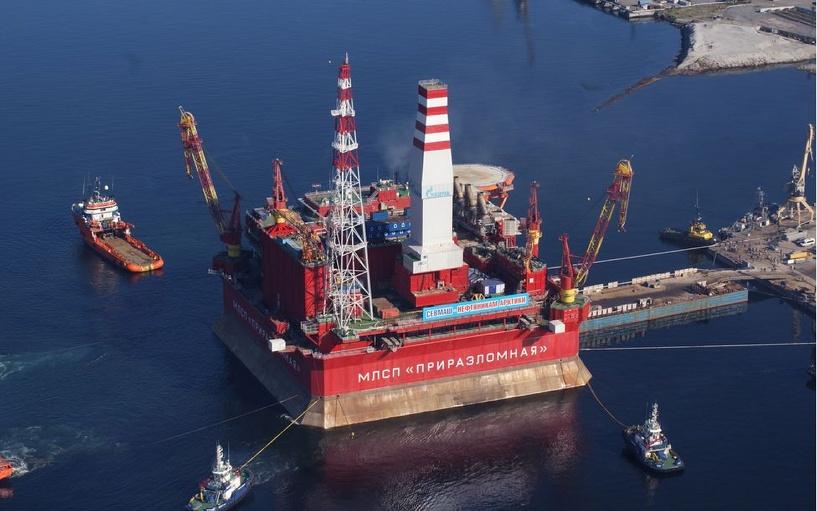 Россия добыла первую партию нефти из арктического шельфа