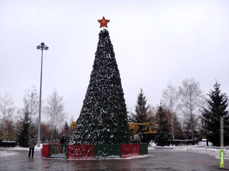 Тамбов начали украшать к Новому году