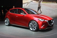 Мини-трёшка: Mazda показала прообраз новой «двойки»