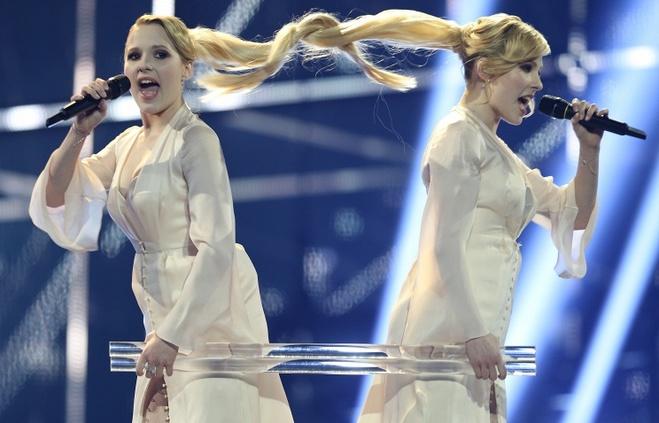 Модели отвечают: Евровидение – вокал или политика?