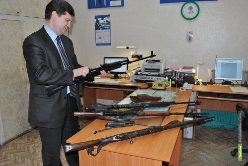 Тамбовчане добровольно сдали полиции 59 единиц оружия
