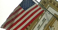 США приостановили выдачу виз во всем мире