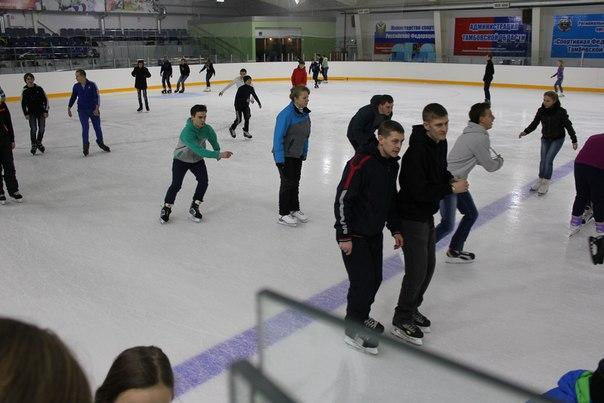 Новая Ледовая арена в Моршанске открыта для массового катания