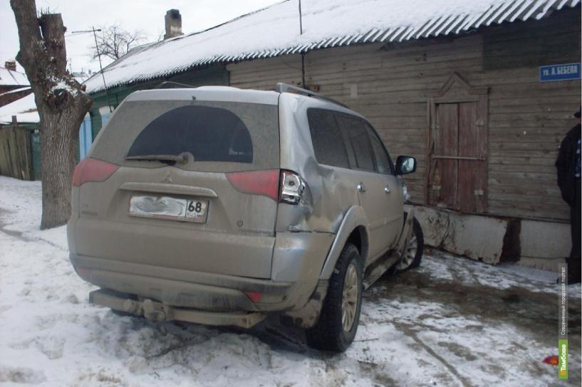 В Тамбове Mitsubishi врезалась в ГАЗель