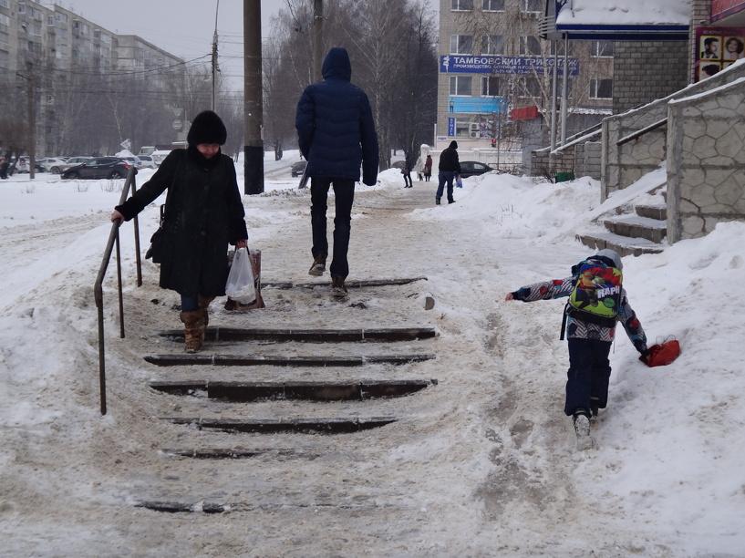 Берегите руки и ноги: улицы Тамбова сковало льдом