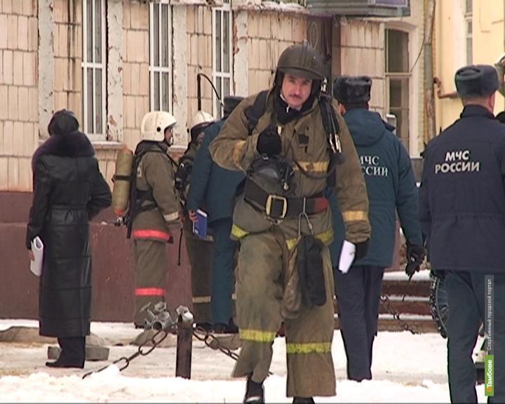 """Спасатели эвакуировали постояльцев гостиницы """"Тамбов"""""""