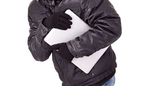 В Моршанске молодой человек украл ноутбук у своей знакомой