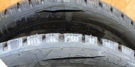 Пьяный тамбовчанин порезал колеса авто своих соседей