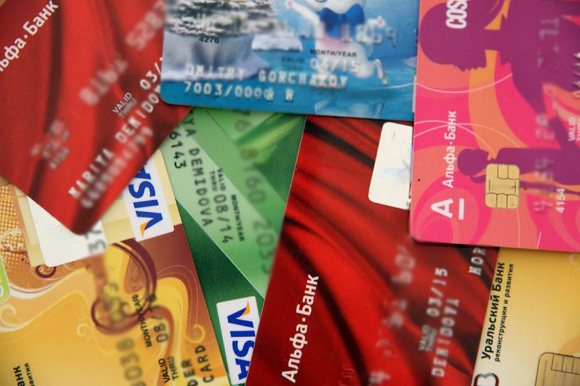 «Банкам дали шанс»: Совет Федерации отменил «зарплатное рабство»