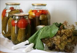 В Моршанске вор польстился на соленые огурцы и помидоры