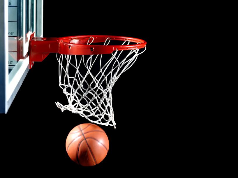 Тамбовские баскетболисты проиграли соперникам с минимальным отрывом