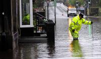 Жителей Великобритании эвакуируют из-за наводнения
