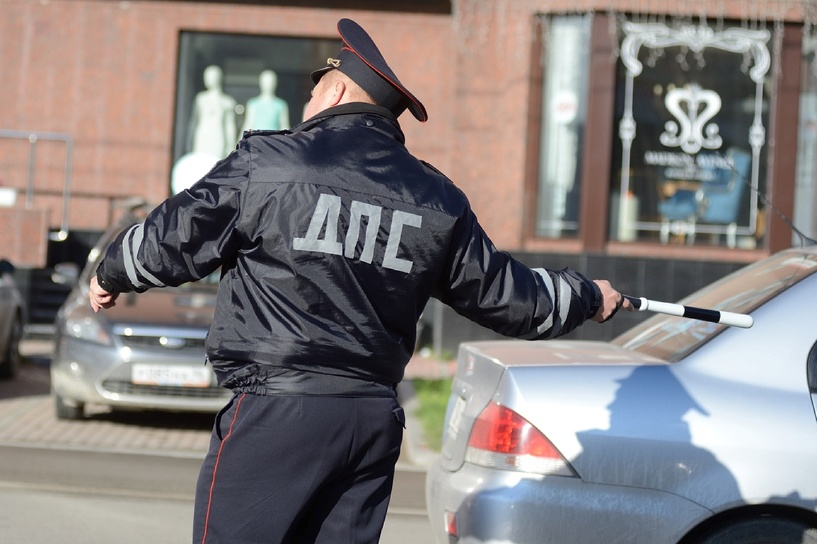 Госдума отменит эвакуацию автомобилей водителей, забывших дома права