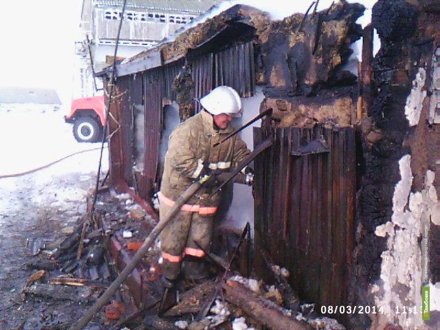 Пожар омрачил праздник жителю Уметского района