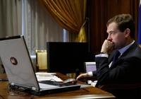 Соскучились? Медведев пообещал вернуться в Twitter
