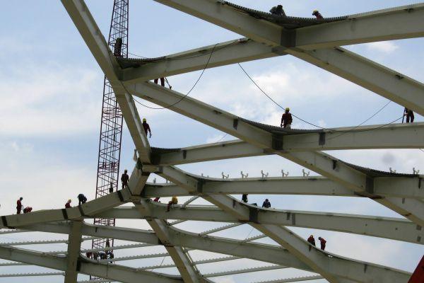 Чемпионат мира по футболу начнут на недостроенном стадионе
