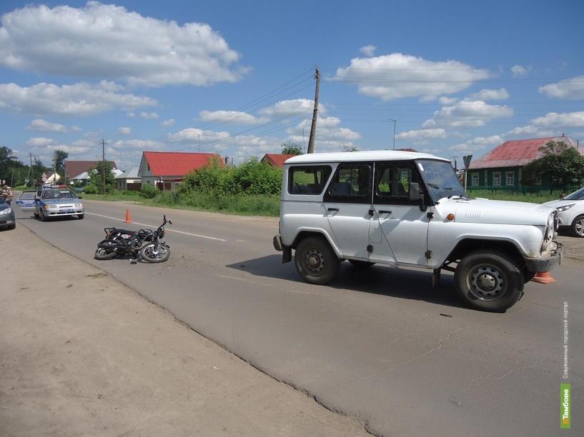 Рассказовский подросток на мопеде угодил под колеса УАЗа