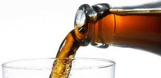 Учёные считают, что сладкая газировка плохо влияет на мозг человека