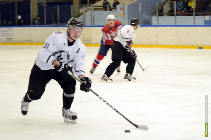 Тамбовские хоккеисты крупно проиграли на выезде