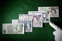 В Англии вскоре появятся пластиковые банкноты