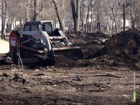 В тамбовском парке культуры начались весенние «раскопки»
