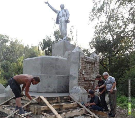 В Пичаевском районе решили обновить памятник Ленину