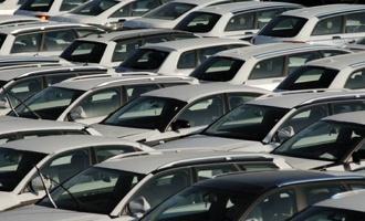 В области становится все меньше новых легковых автомобилей