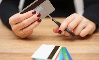 Россияне с долгами больше не получат кредитов