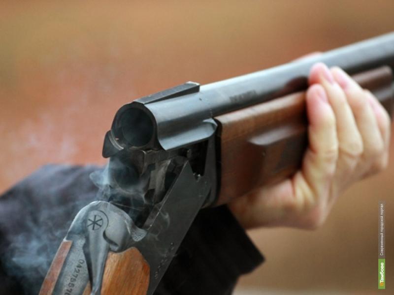Двое парней устроили стрельбу возле кафе на севере Тамбова