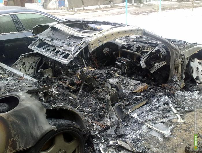 Депутату гордумы Тамбова Жалнину спалили Мерседес
