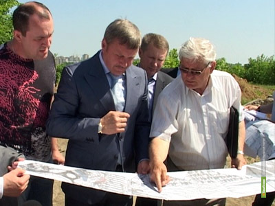 Александр Бобров заставил дорожников работать по ночам