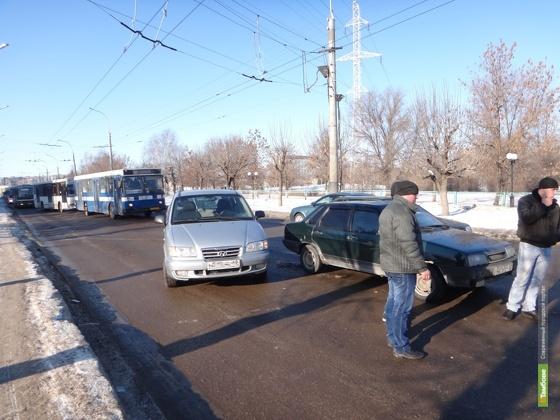 По улицам Тамбова колесят 80 тысяч авто