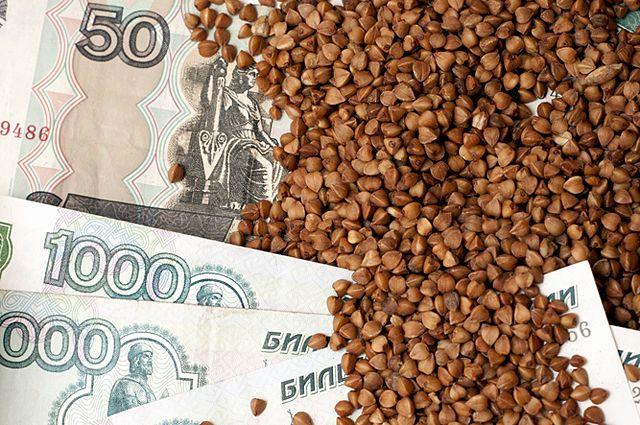 Губернатор потребовал отслеживать цены на гречку