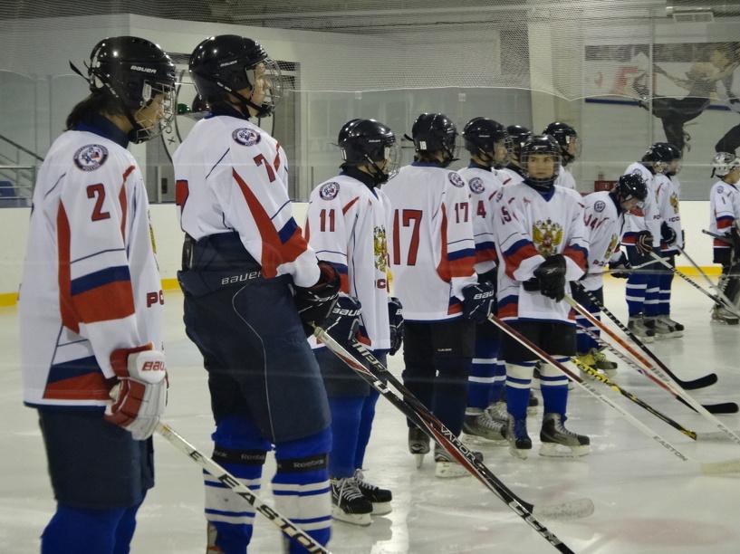 Тамбовские хоккеисты обыграли команду из Барнаула