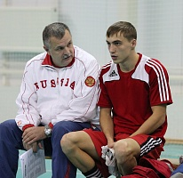 Евгений Аверин сразится за титул сильнейшего боксера-юниора России