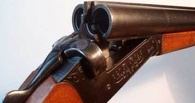 Молодой человек устроил стрельбу возле бара