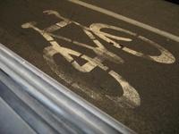 На российских дорогах появятся специальные полосы для велосипедистов