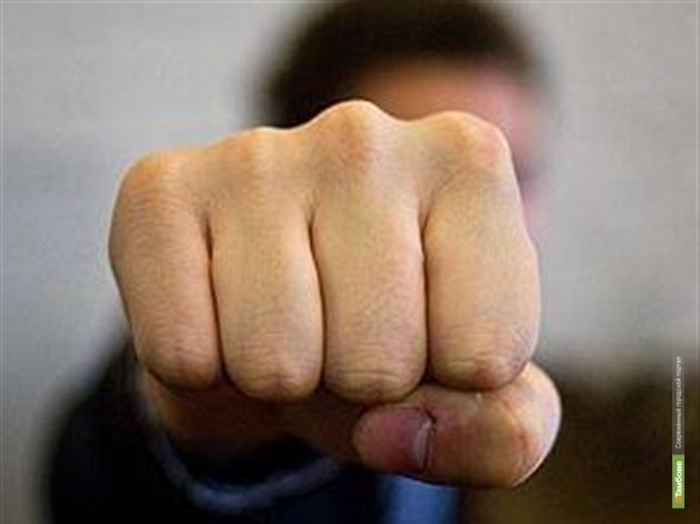 В Тамбовской области столичный полицейский избил дорожного рабочего
